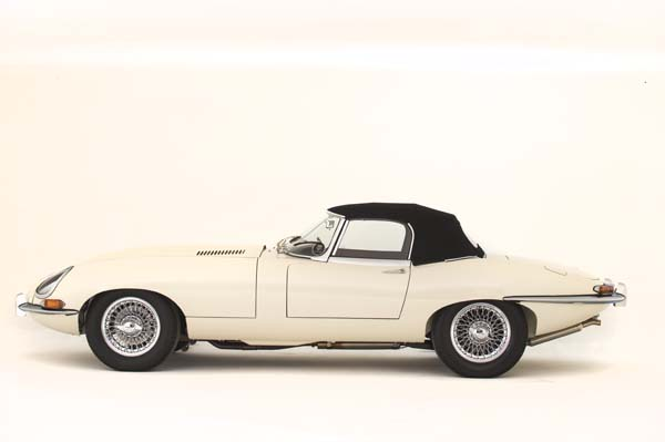 1964 Jaguar Series 1 E Type XKE 3.8 Litre Drop Head Coupe Roadster in Cream 0003
